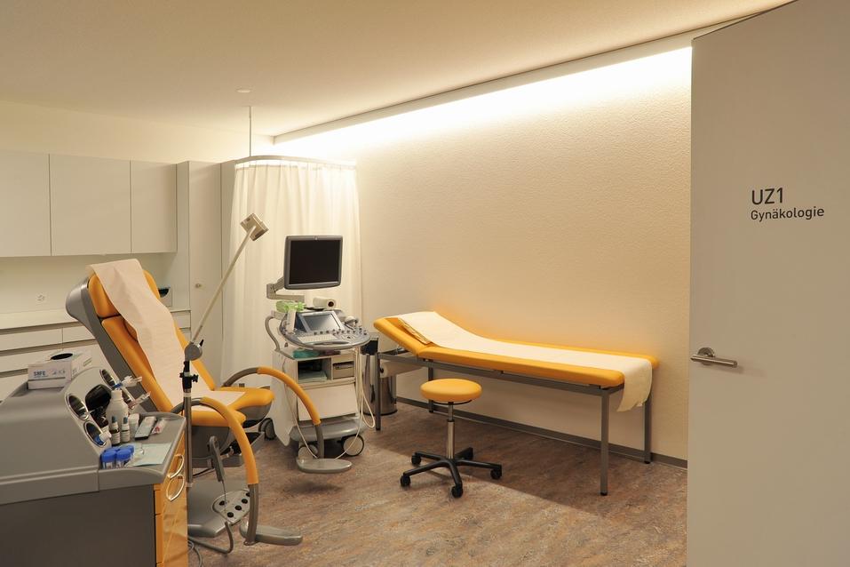 Aerztehaus-Balsthal-Behandlungsraum-Gynäkologie