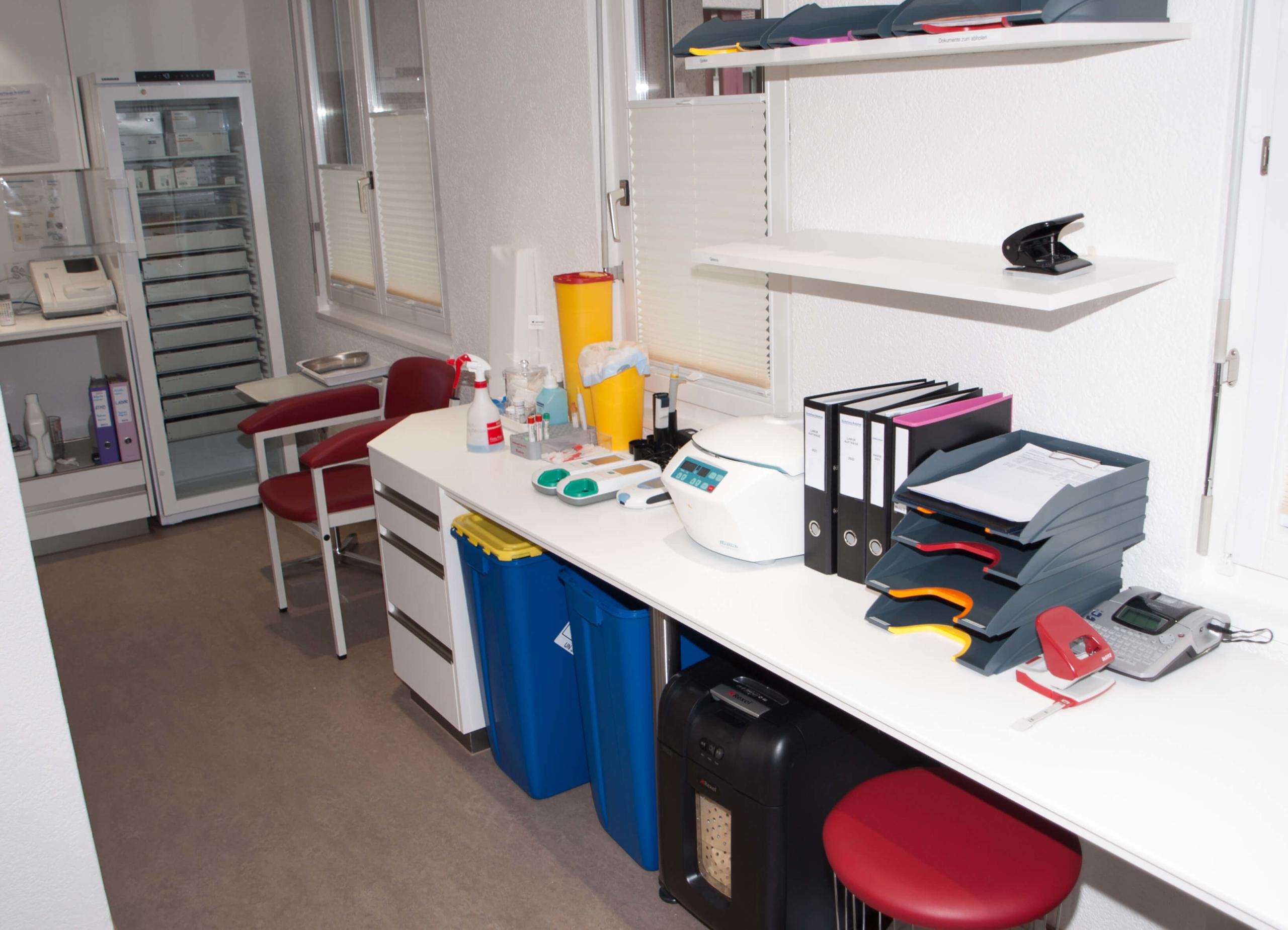 Aerztehaus-Welschenrohr-Durchgang Labor