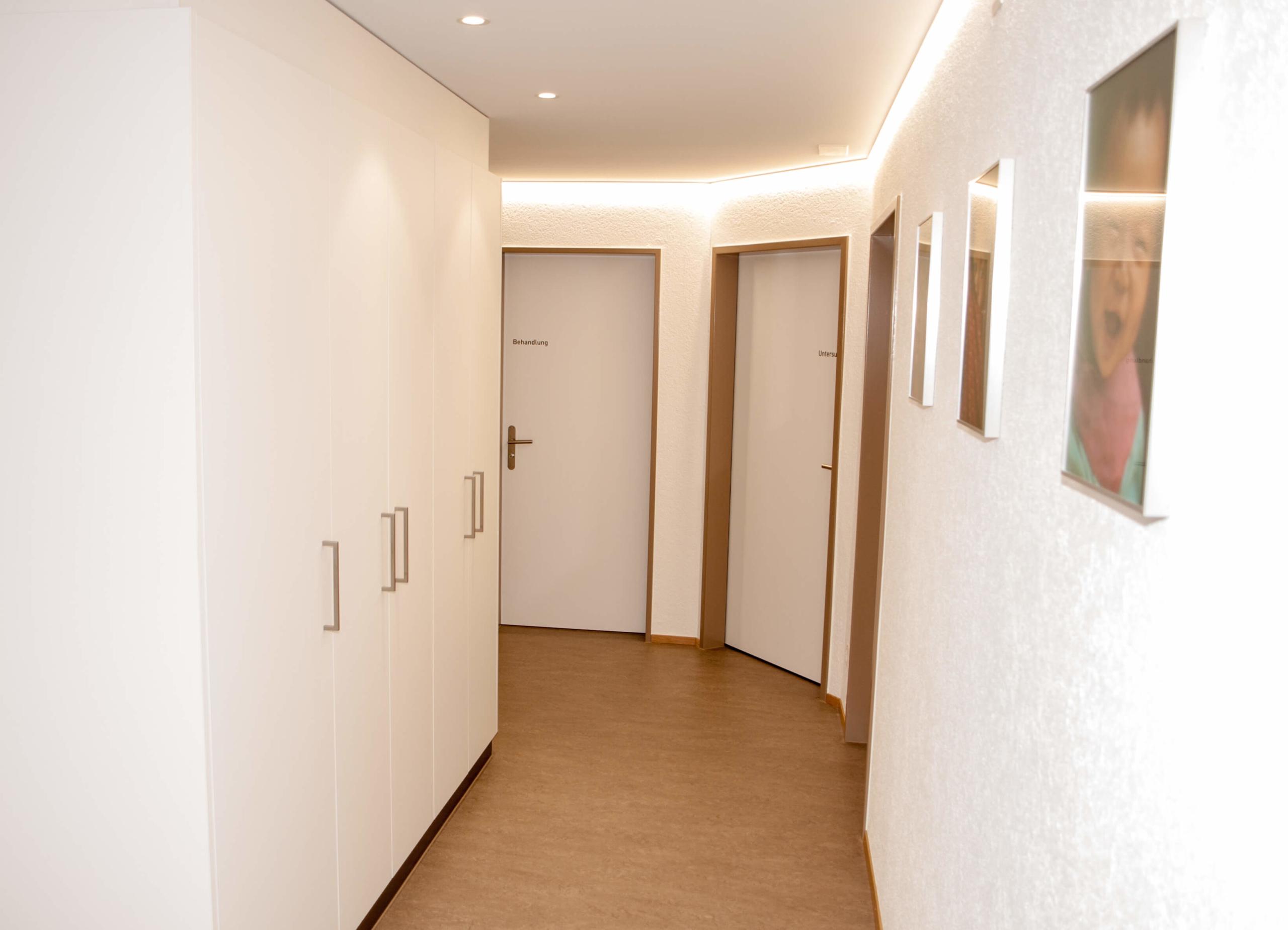 Aerztehaus-Welschenrohr-korridor1